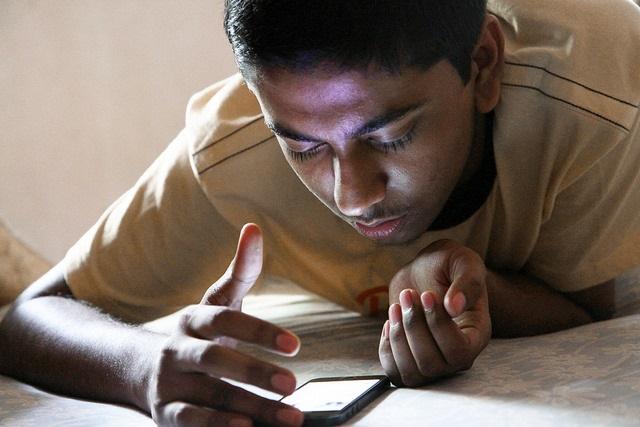 Pabak Sarkar-smartphone teen