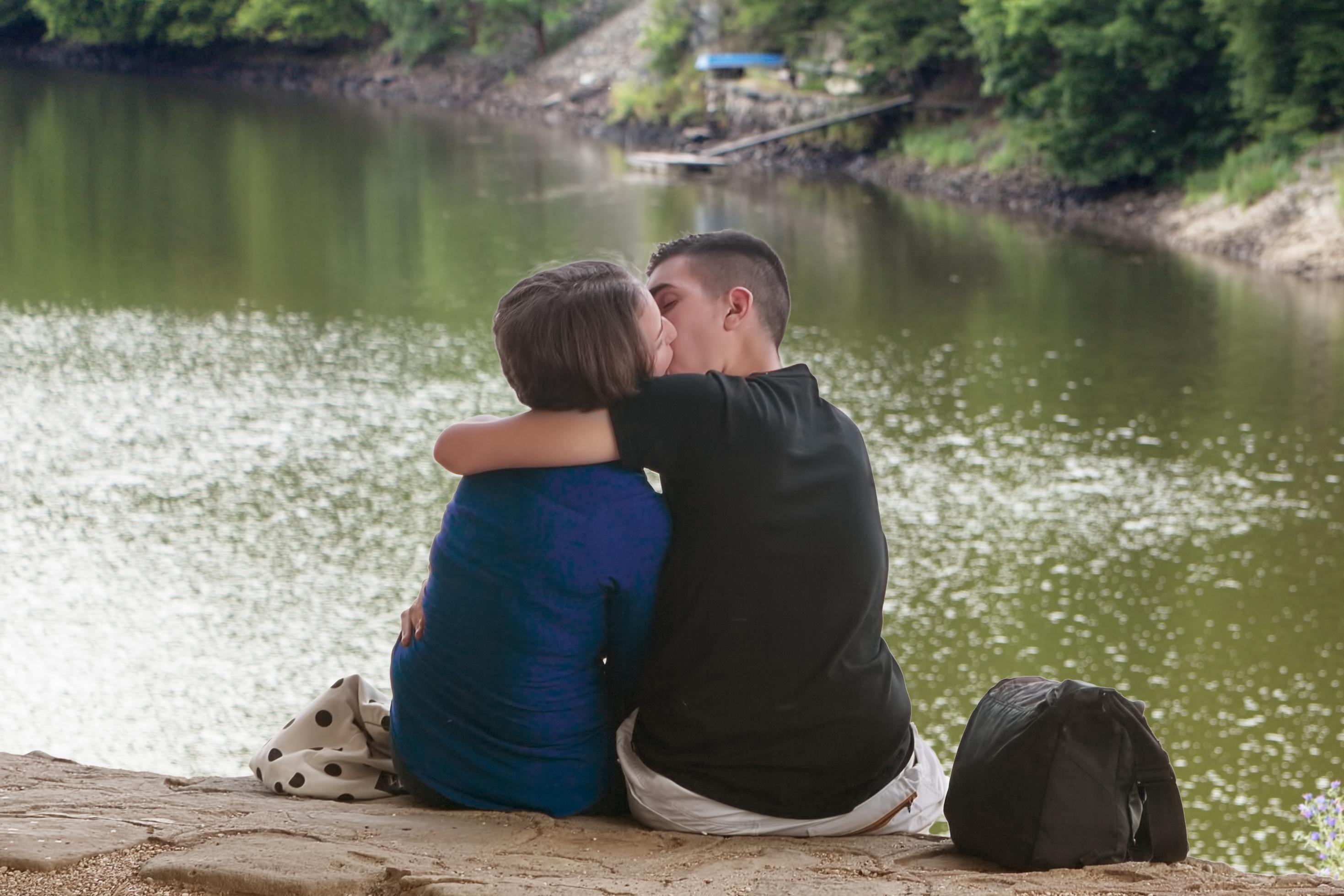 morgueFile-JanFidler-Kissing couple